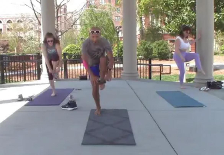 Aktzi – 30 min. Balance & Strength Yoga